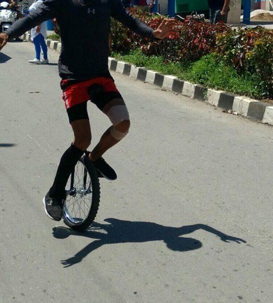 5 kilometros en monociclo para record guinness